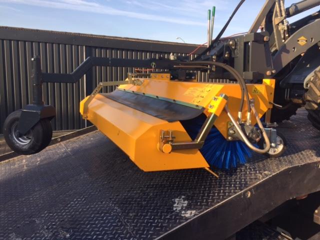 Nieuwe Giant 180 ECO veegmachine voor Dhr. Smits